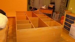 Збірка лежачої шафи